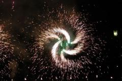 Огненные потоки с эффектом вращения