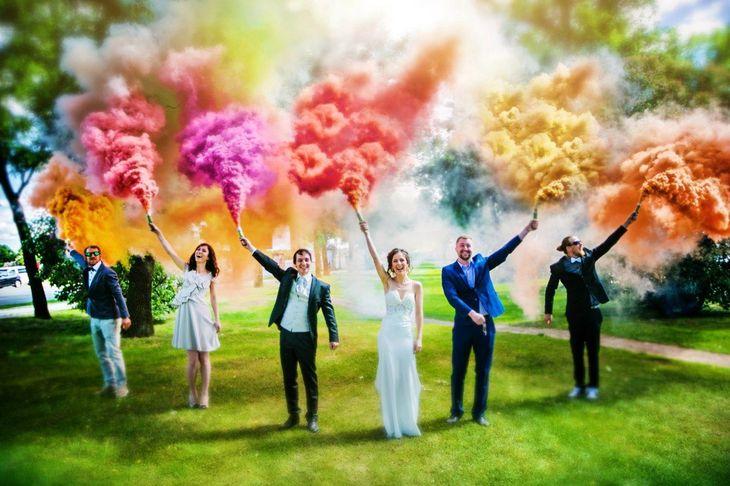 Фотосессия на свадьбу с цветным дымом