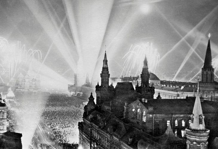 Салют во время Великой отечественной войны